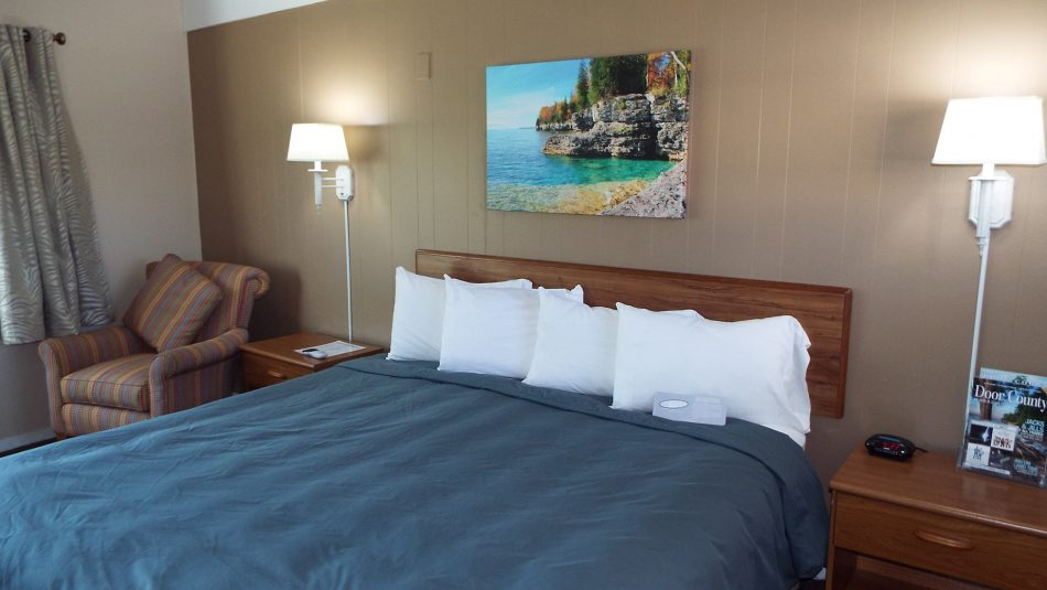 Room-108-King-bed